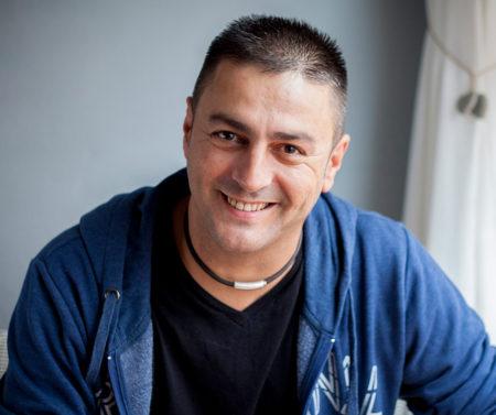 Antonio A. Marquez, Si es por el maestro nunca aprendo
