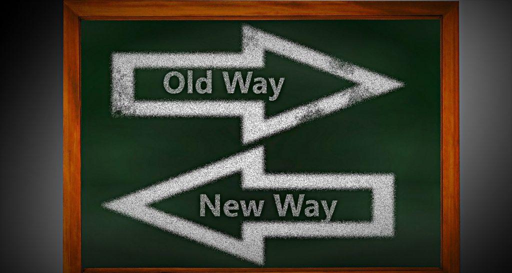 la imagen muestra una flecha que dice antiguo camino, y otra que dice nuevo camino